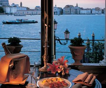 Venice World Class Luxury Hotel ― Perfect Gay Honeymoons | Award Winning UK Gay Honeymoon Specialists
